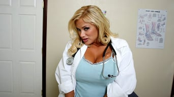 Shyla Stylez in 'Change is good!'