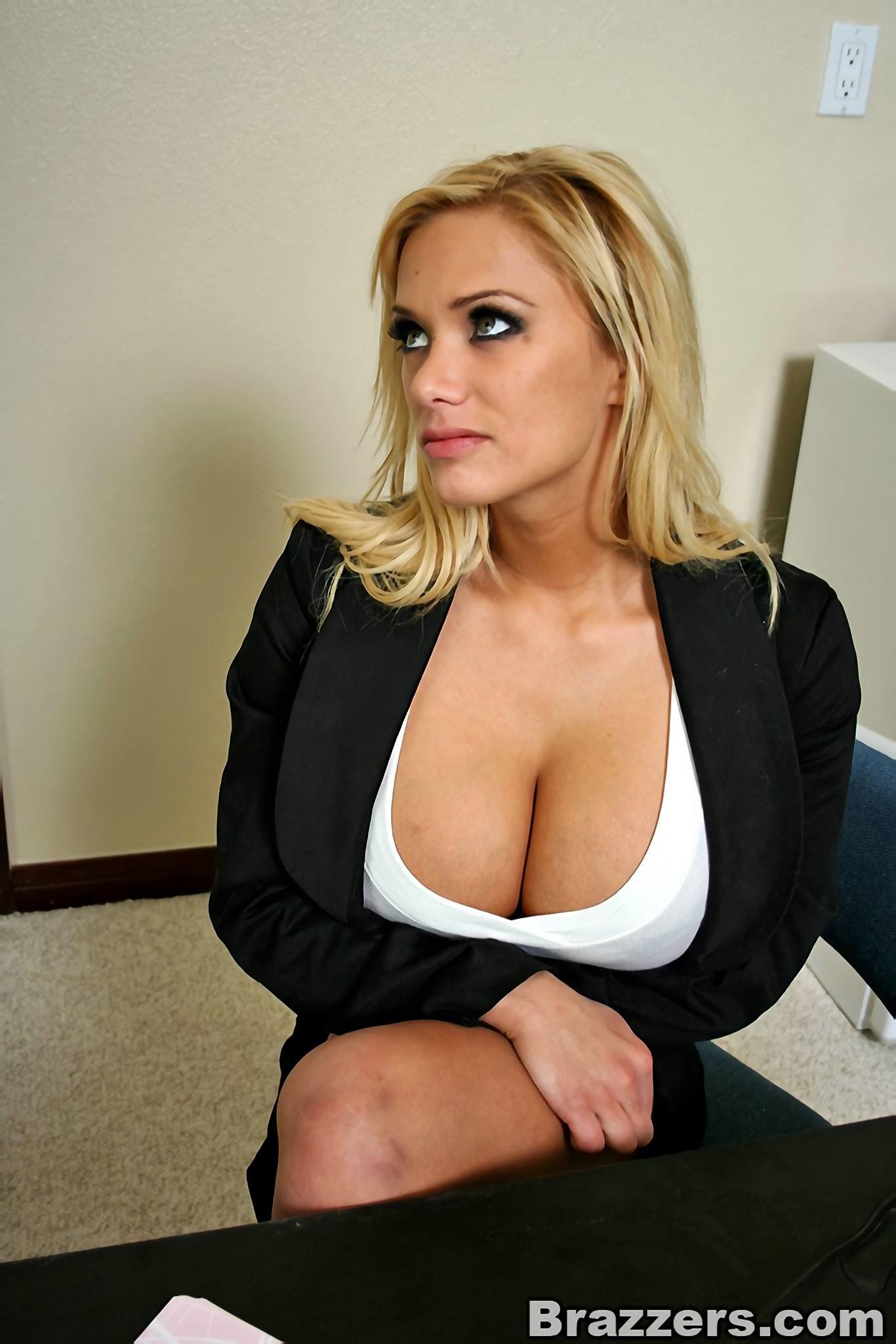 Big tits warm mouth shyla stylez Shyla Stylez In Back For More Photo 5 Brazzers