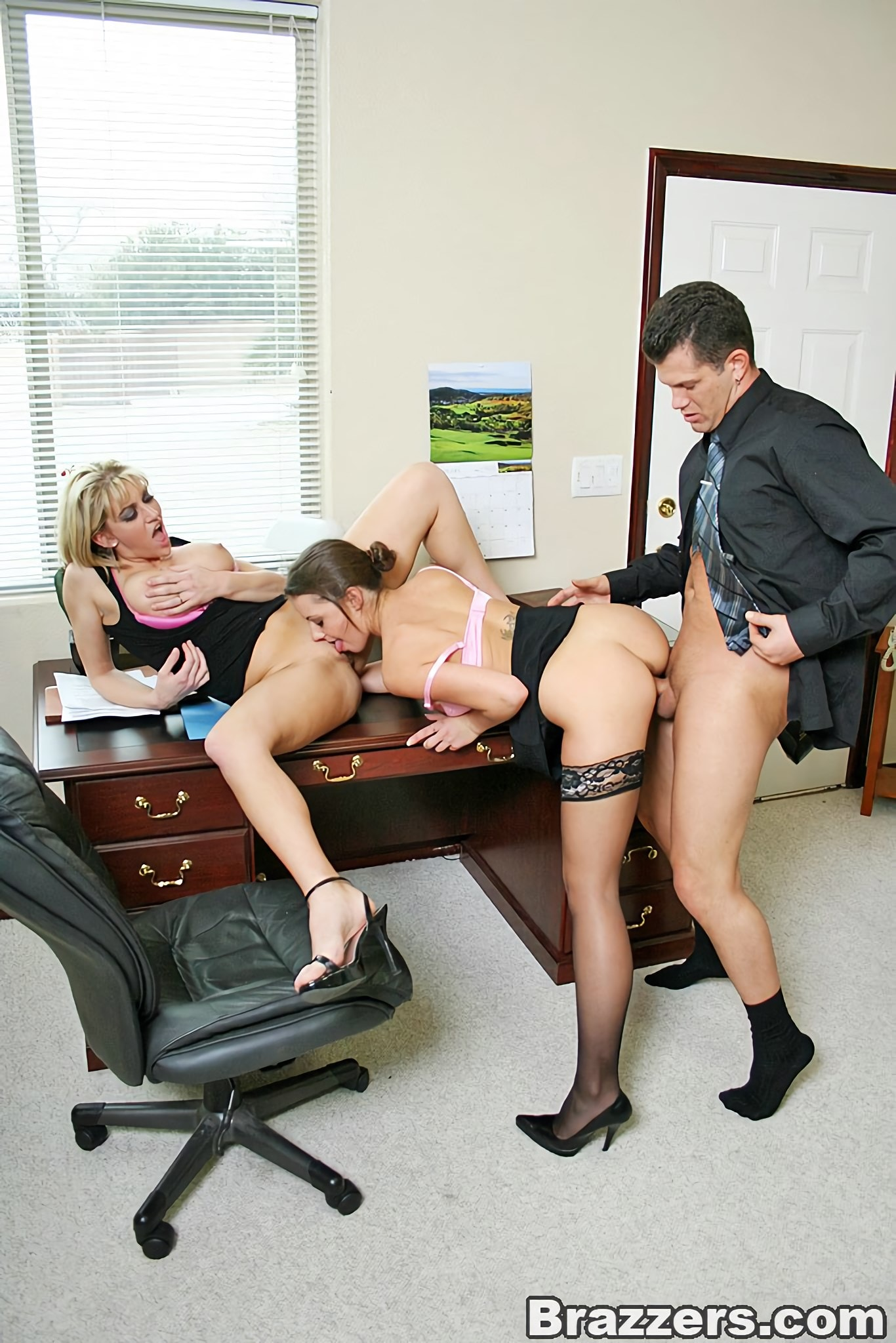 нашем сайте секс в офисе клевая телка постоянно