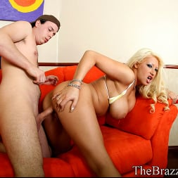 Candy Manson in 'Brazzers' Candy Treat (Thumbnail 9)