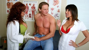 Ava Devine in 'Sexy situation'