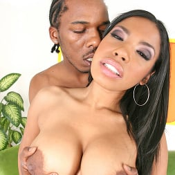 Havana Ginger in 'Brazzers' This Black Bitch Loves Sucking Huge Dick and Getti (Thumbnail 12)