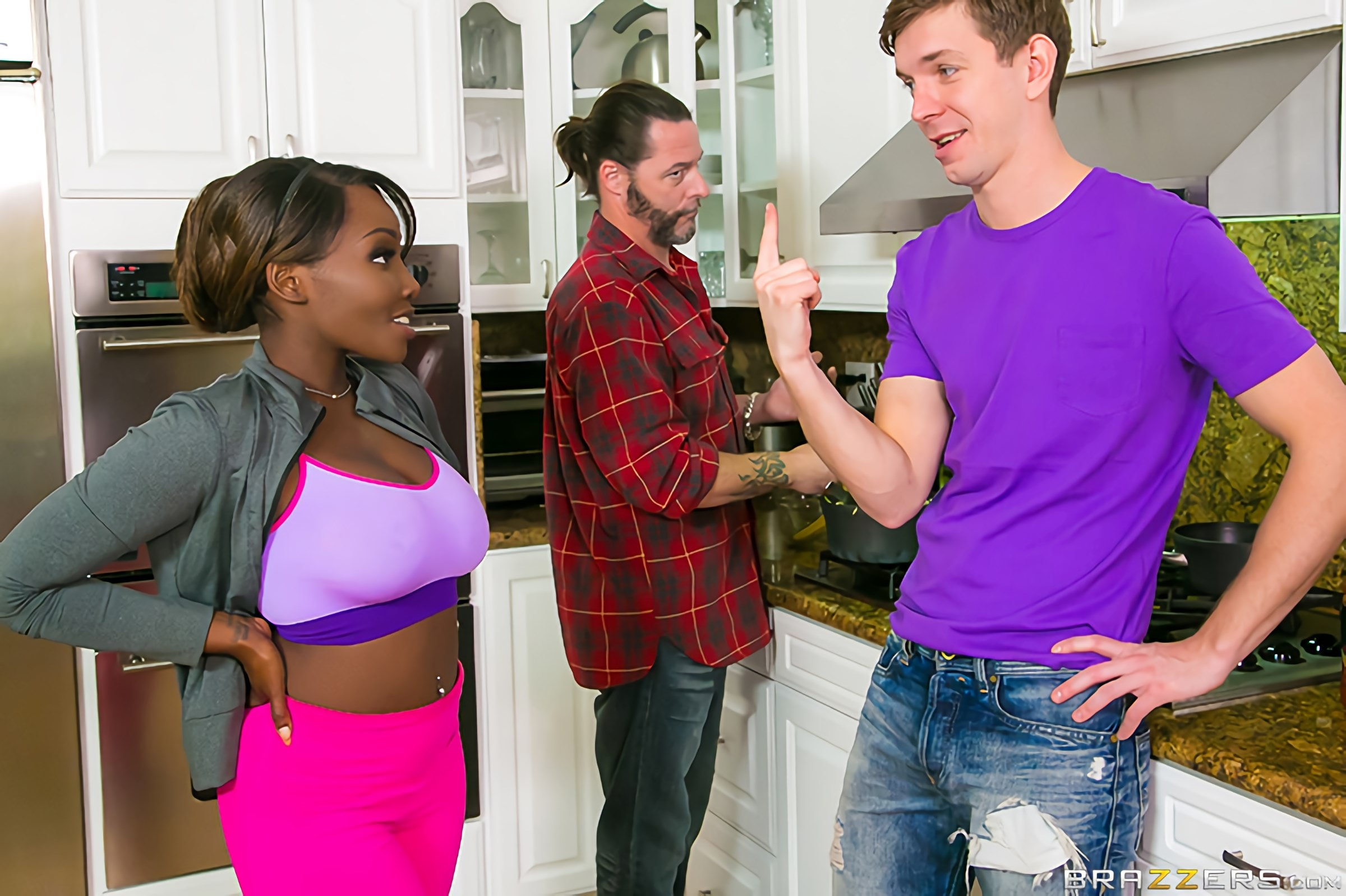 Brazzers 'Soaking Stepmom' starring Osa Lovely (photo 1)