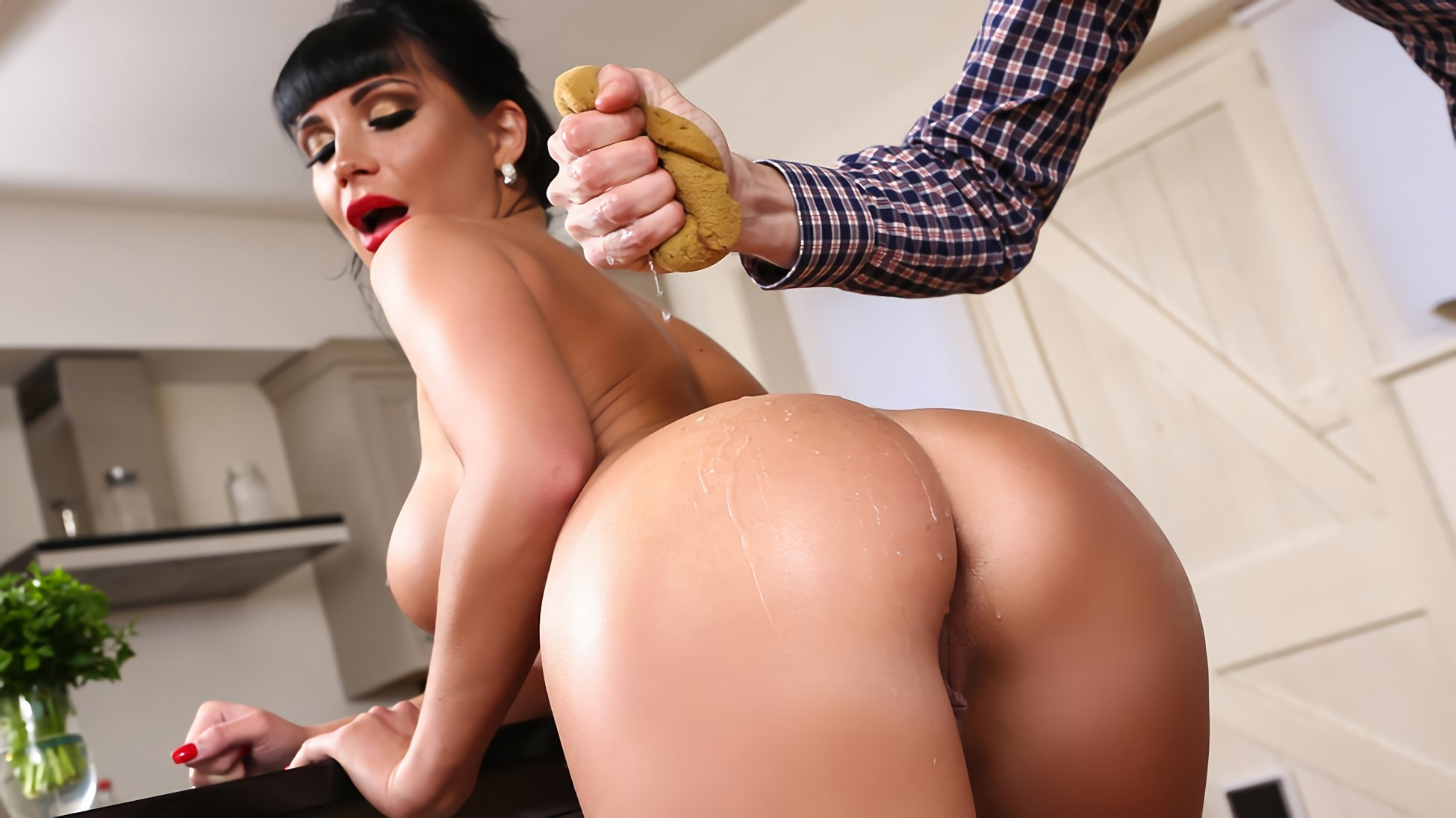 Brazzers 'Clean Up On Aisle Valentina' starring Valentina Ricci (photo 6)