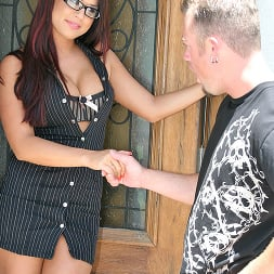 Eva Angelina in 'Brazzers' Doing it right (Thumbnail 4)