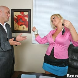 Abbey Brooks in 'Brazzers' Extra benefits (Thumbnail 5)