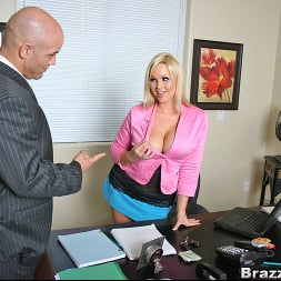 Abbey Brooks in 'Brazzers' Extra benefits (Thumbnail 6)