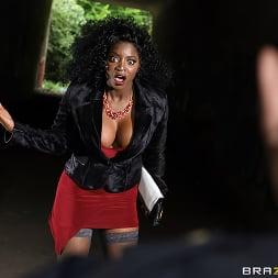 Jasmine Webb in 'Brazzers' The Dildo Flasher (Thumbnail 1)