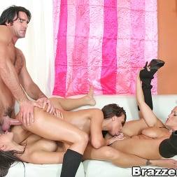 Carmella Bing in 'Brazzers' Big butt extravaganza!!! (Thumbnail 13)