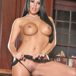 Eva Angelina in 'Brazzers' Licence to fill (Thumbnail 2)