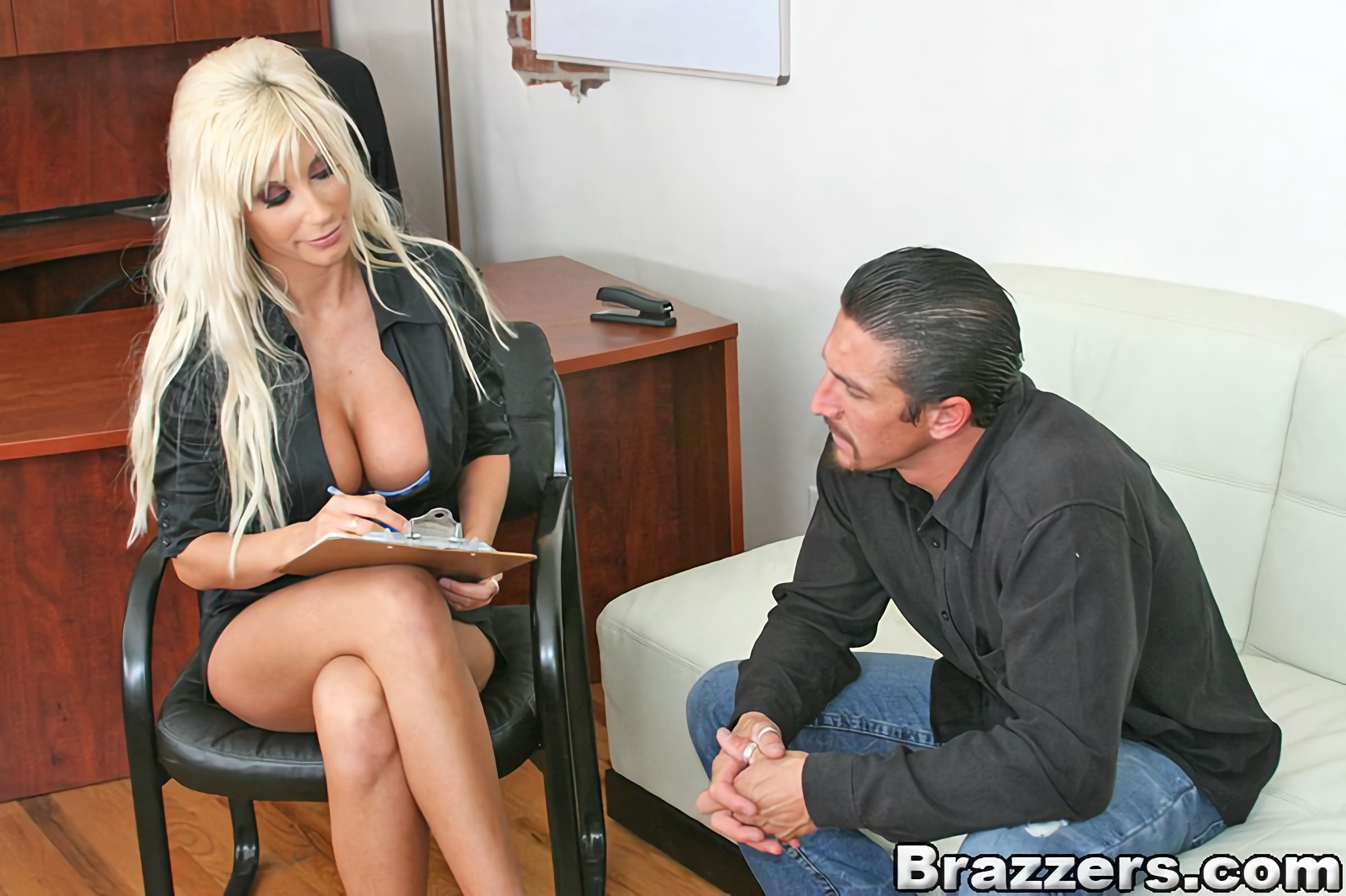 Brazzers 'Role playing treatment' starring Puma Swede (photo 5)