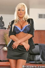 Puma Swede - Role playing treatment (Thumb 02)