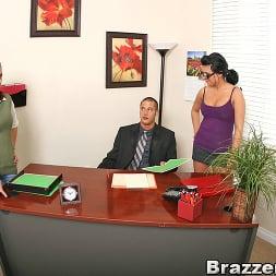 Eva Angelina in 'Brazzers' Naughty Secretary (Thumbnail 5)