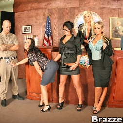 Eva Angelina in 'Brazzers' People vs. Pornstarslikeitbig (Thumbnail 2)