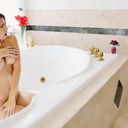 Katana Kombat in 'Brazzers' Make Yourself Free-Useful (Thumbnail 6)