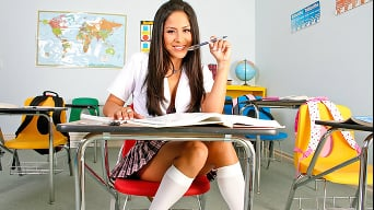 Jenaveve Jolie in 'Hot for the Teacher'