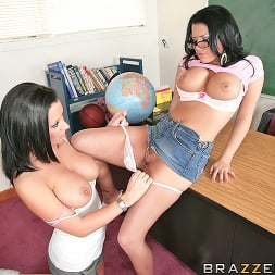 Eva Angelina in 'Brazzers' Kiss and Make Up (Thumbnail 7)