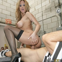 Eva Angelina in 'Brazzers' Crime Does Pay (Thumbnail 11)