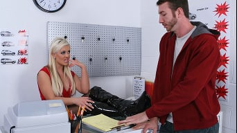 Andi Anderson in 'Car Rental gone bad'