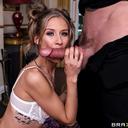 Tiffany Tatum in 'Brazzers' Let's Make A Deal (Thumbnail 2)