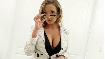 Nikki Sexx in 'Get me Wet Mr Plumber'