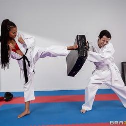 Kira Noir in 'Brazzers' Fighting Foot Domination (Thumbnail 2)