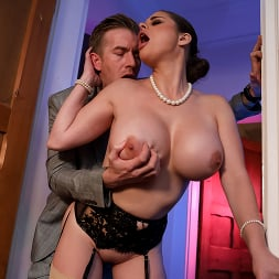 Cathy Heaven in 'Brazzers' Jane Doe Private Dick (Thumbnail 6)