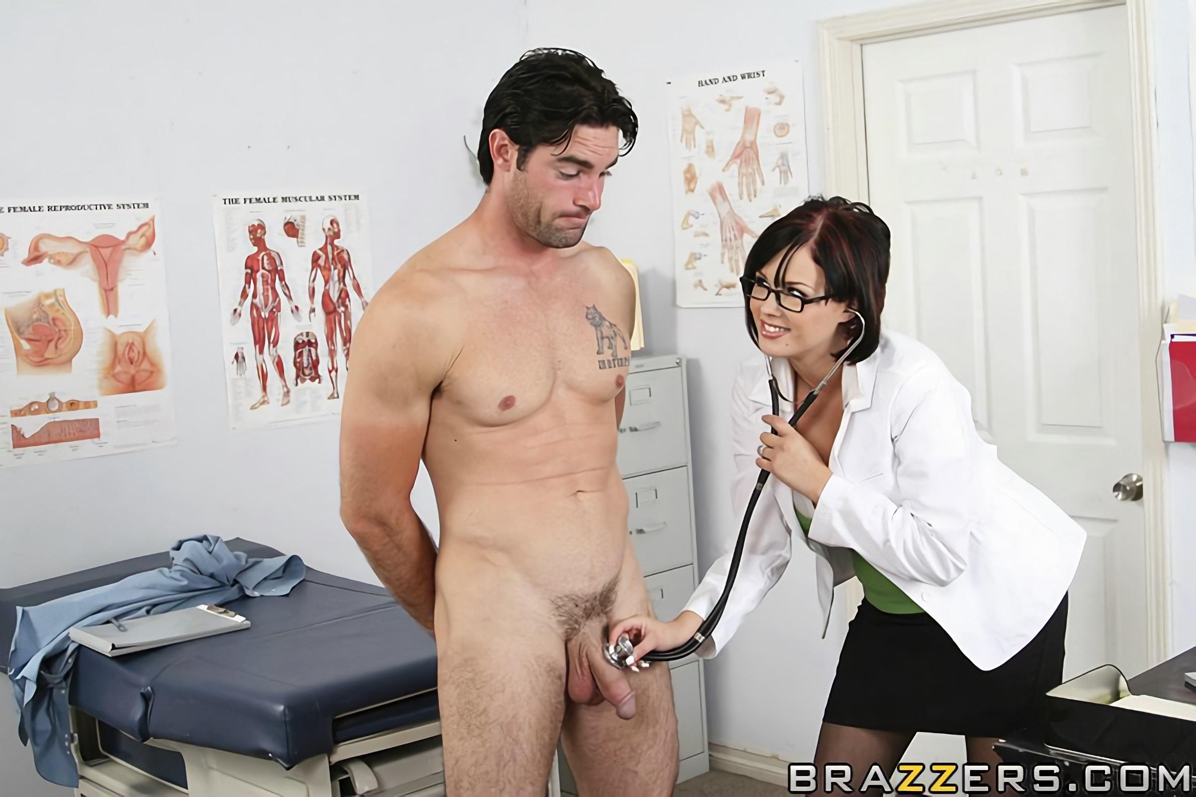 женщина врач пристает к парню при его девушке порно - 8