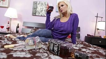 Diamond Foxxx में 'Im एक दुल्फ, im नशे में, और मैं बड़ा डिक चाहते हैं'