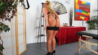 Flower Tucci in 'Sophisto Anal Destruction'