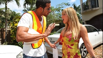 Shyla Stylez in 'Move get out the way!!'