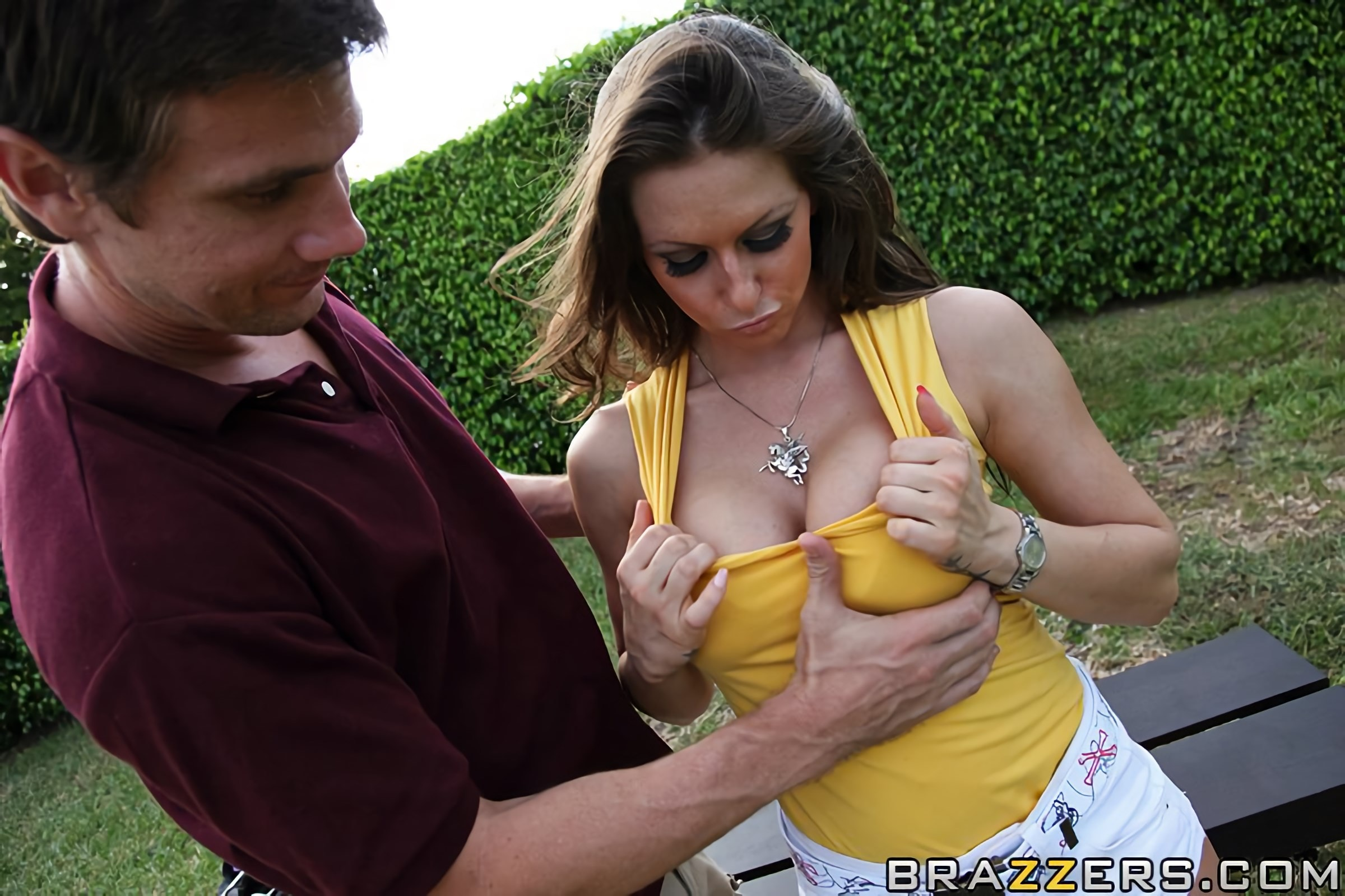 Brazzers 'A hole in one' starring Rachel Roxxx (Photo 7)