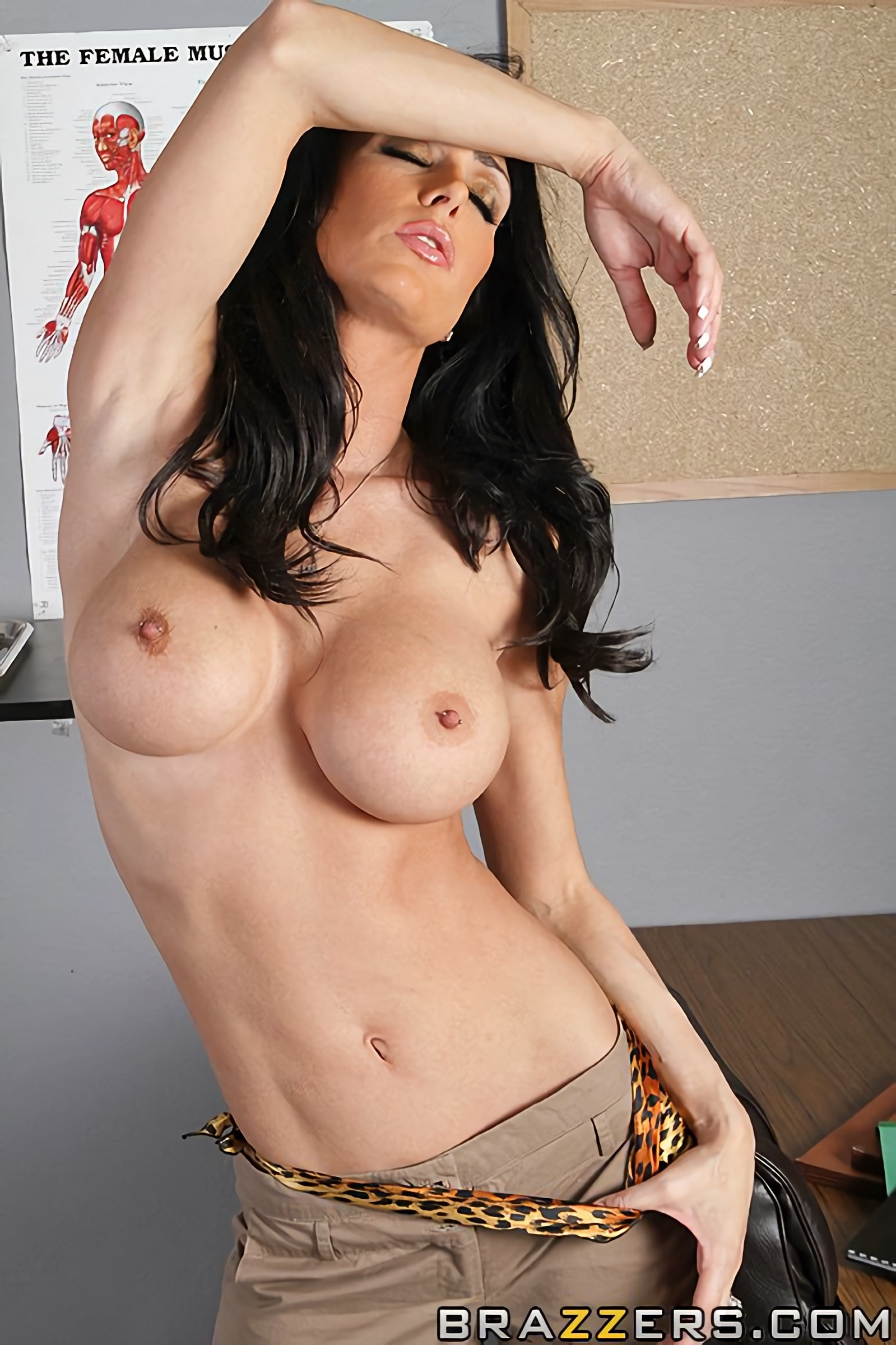 Brazzers 'The Cock Huntress' starring Jessica Jaymes (Photo 4)