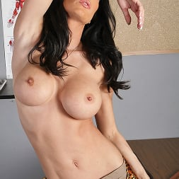 Jessica Jaymes in 'Brazzers' The Cock Huntress (Thumbnail 4)