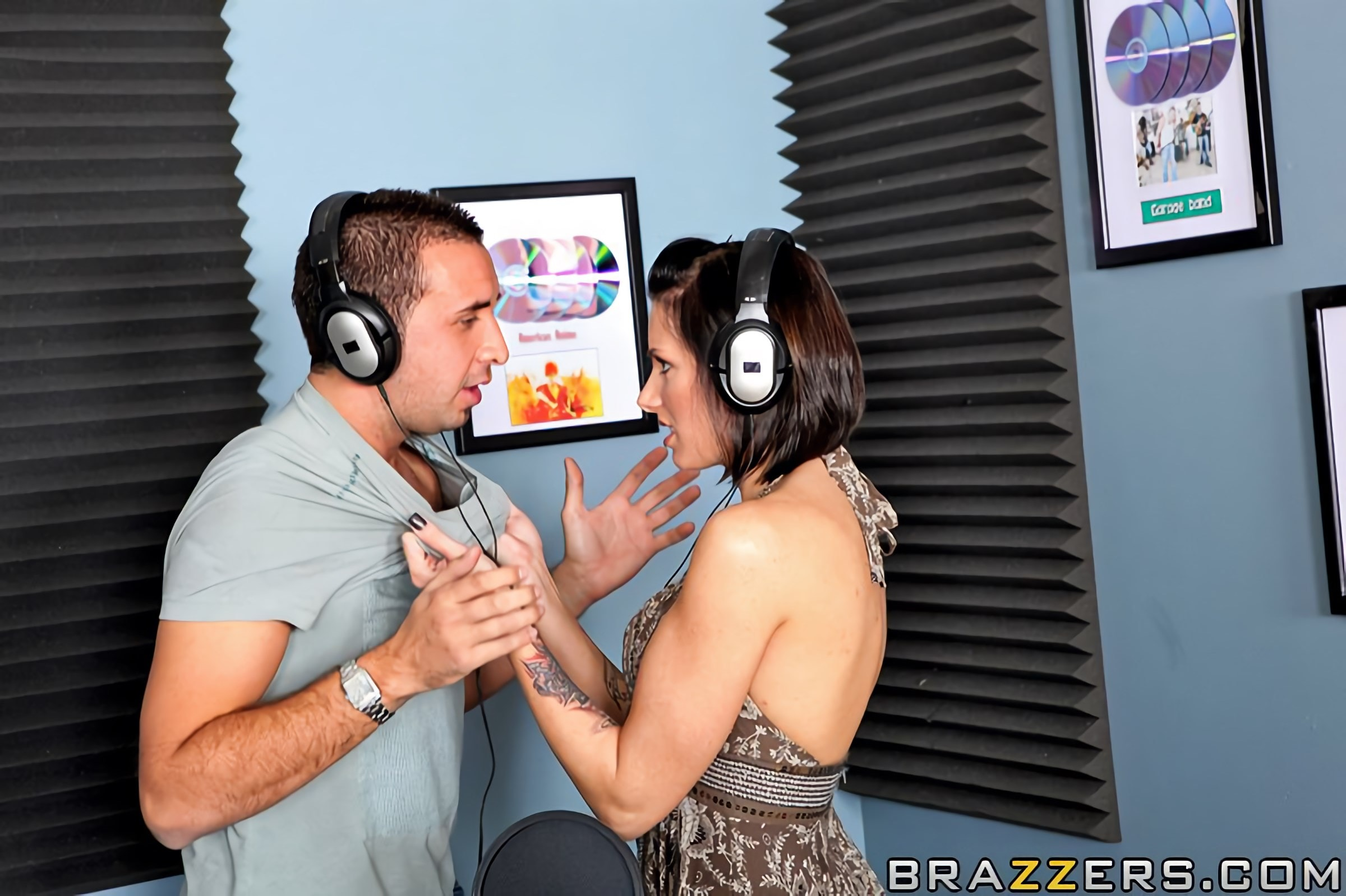 Brazzers 'Battle of the Daisies' starring Juelz Ventura (Photo 6)