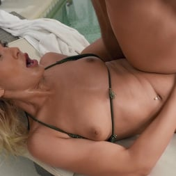 Cherry Kiss in 'Brazzers' Anal At The Hotel Pool (Thumbnail 4)