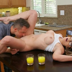 Ashly Anderson in 'Brazzers' Keeping Ashly Occupied (Thumbnail 2)