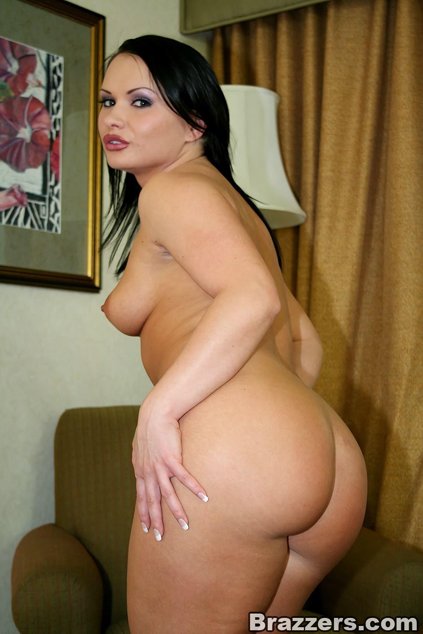 Brazzers 'Sexy Katja loving anal' starring Katja Kassin (Photo 3)