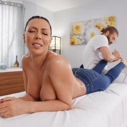 Rachel Starr in 'Brazzers' Leave My Jeans On (Thumbnail 2)