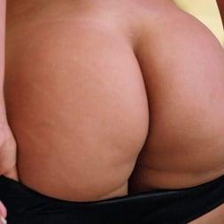 Bridgette B in 'Brazzers' Bridgette Bangs Some Rockstar Cock (Thumbnail 2)