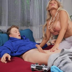 Casca Akashova in 'Brazzers' Cleanliness Is Next To Fuckliness (Thumbnail 2)