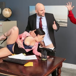 Leila LaRocco in 'Brazzers' Getting Her Husband A Raise (Thumbnail 1)