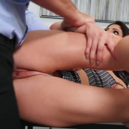 Nella Jones in 'Brazzers' Sweating, Cleaning and Cheating (Thumbnail 5)