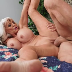 Sally D'Angelo in 'Brazzers' Sneaky Grandma (Thumbnail 4)
