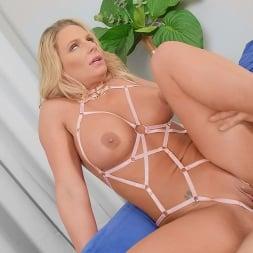 Phoenix Marie in 'Brazzers' Pop Off (Thumbnail 4)