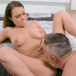 Kendall Kayden in 'Brazzers' Kendall Sweats It Out (Thumbnail 3)