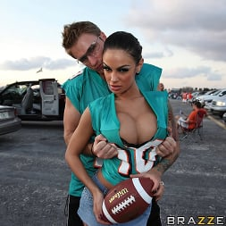 Angelina Valentine in 'Brazzers' Touchdown on my cock! (Thumbnail 6)