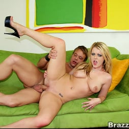 Sophie Dee in 'Brazzers' Big ass chick Sophie Dee (Thumbnail 10)