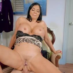 Jasmine Jae in 'Brazzers' Sexscape Room (Thumbnail 6)