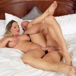 Cali Carter in 'Brazzers' Her Slutty Thoughts (Thumbnail 6)